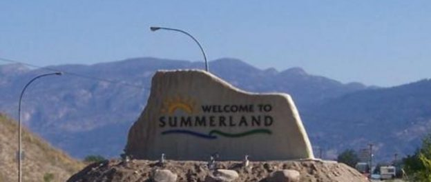 Summerland Gets Historic Monument Signs